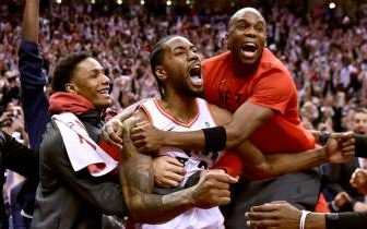 Kawhi Leonard Celebrates the Raptors EC Victory.